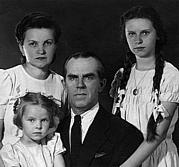 With mother, farther and sister, 1942